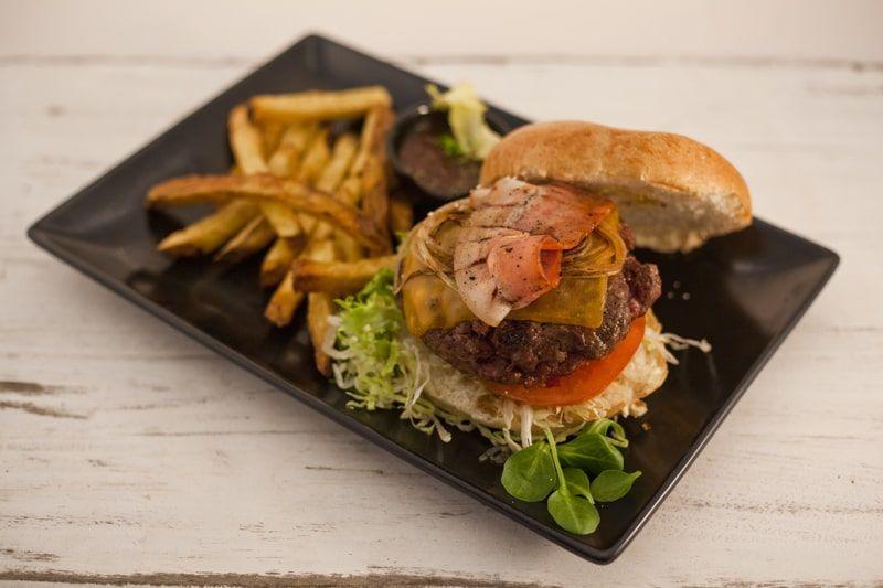 ¿Hamburguesa gourmet o carne? Escoge en SteakBurger