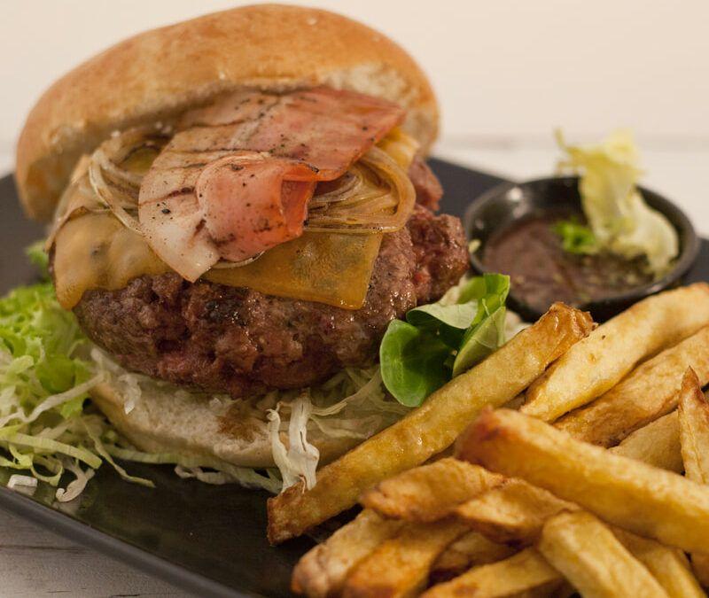 ¿Cómo hacer la mejor hamburguesa Steakburger  al estilo casero?