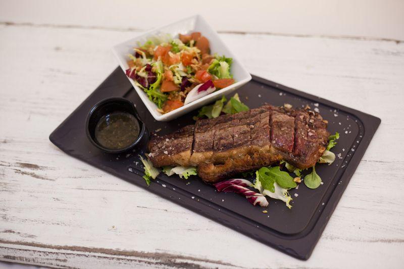 ¿Hoy quieres carne a la parrilla? ¡Reserva tu mesa ya!
